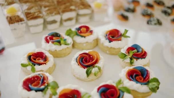 Candy Bar svatba, candy bufet. Detailní a otočit