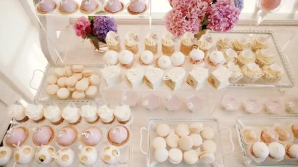 Weiss Candy Bar Hochzeit Sussigkeiten Buffet Closeup Stockvideo