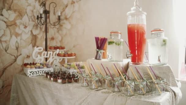 Candy Bar svatební cukroví nápoj Svatodušní bufet. Closeup