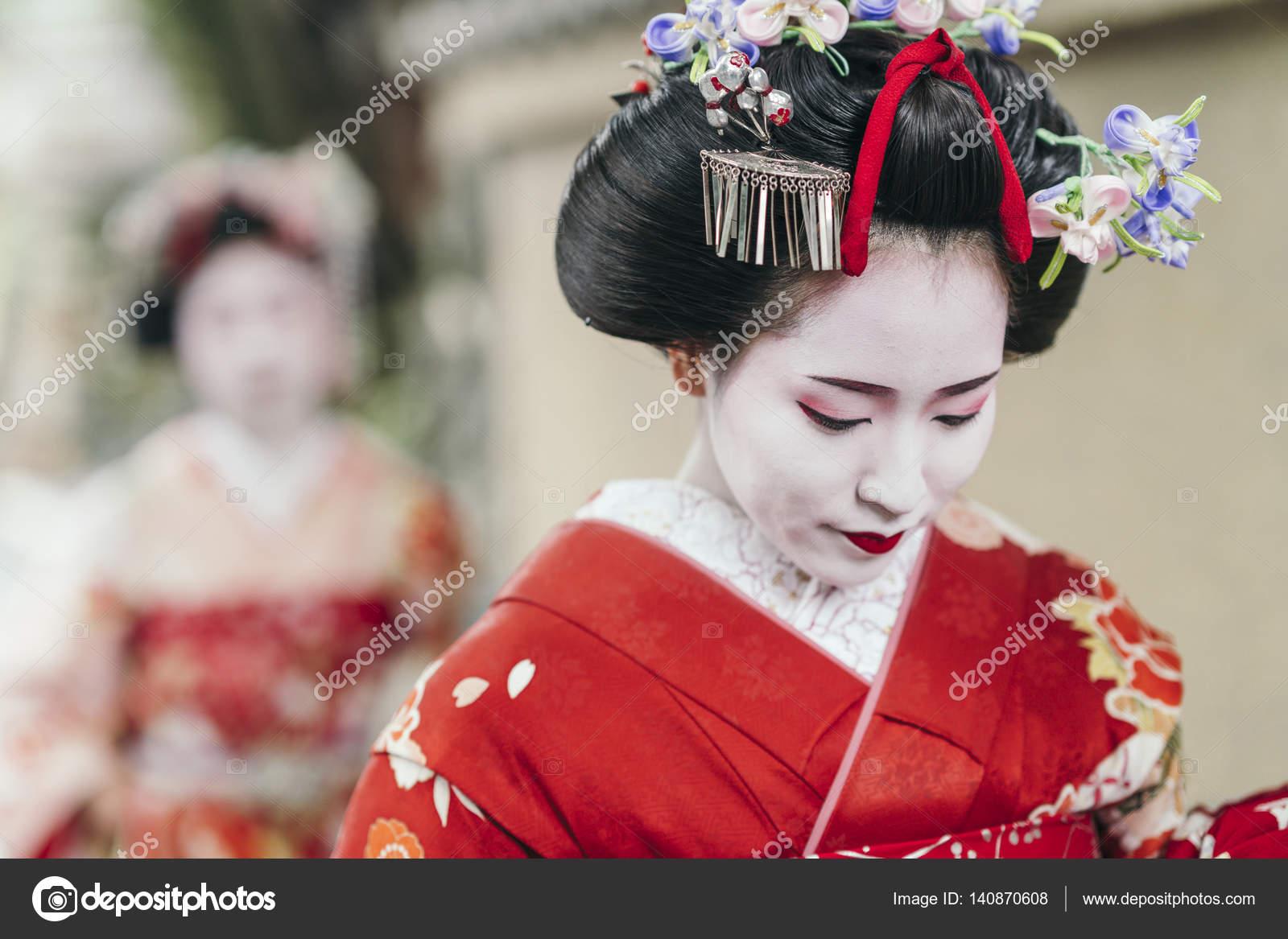 Η μέθοδος αναπτύχθηκε από ιαπωνική γκέισα.