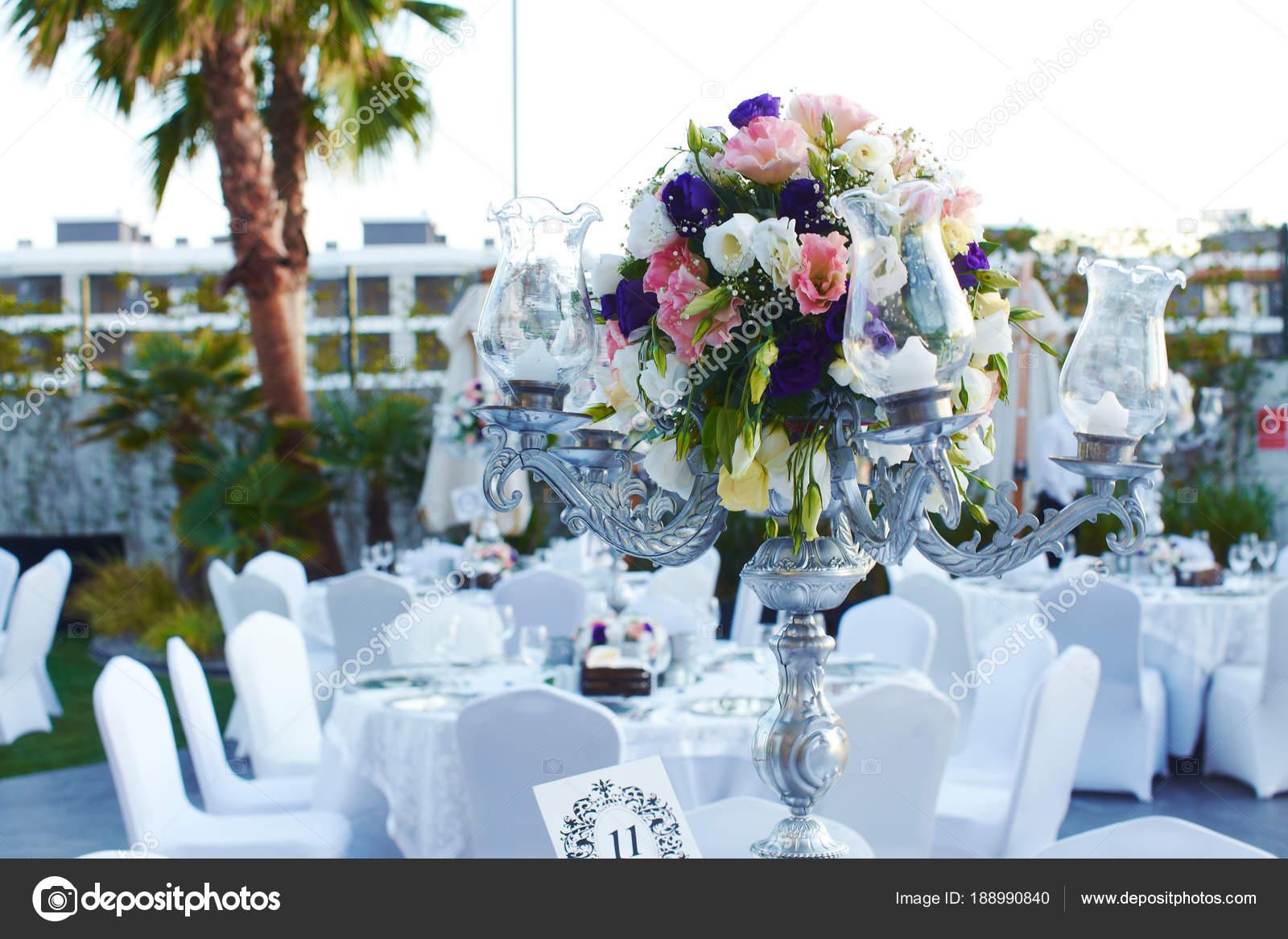 Luxus Hochzeit Dekoriert Runde Tische Stockfoto C Adaco 188990840