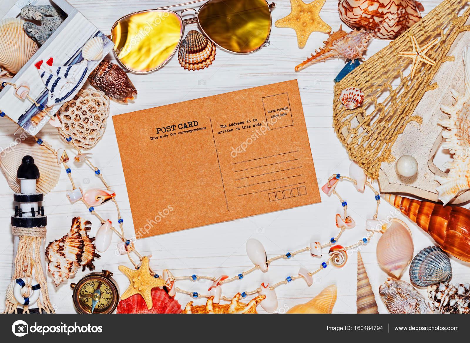 Nautische Konzept mit Muscheln und Retro-Postkarte — Stockfoto ...