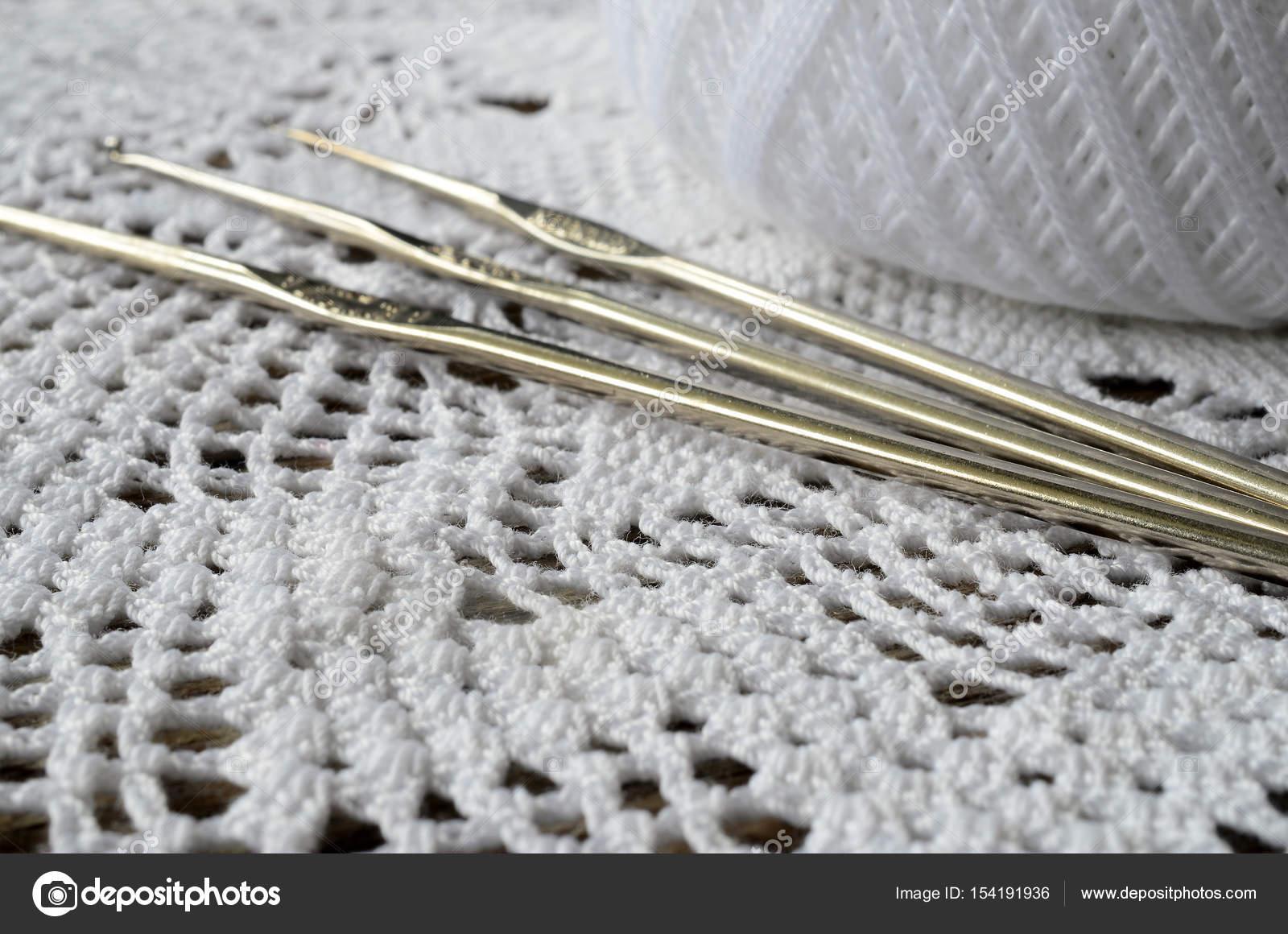 Tapetito del cordón de ganchillo — Fotos de Stock © shutterbug68 ...