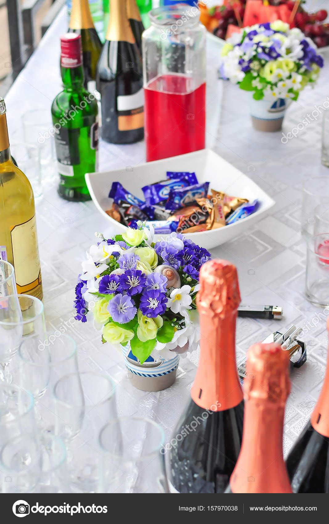 fleurs de vin, champagne, buffet, mariage à l'extérieur de bonbons