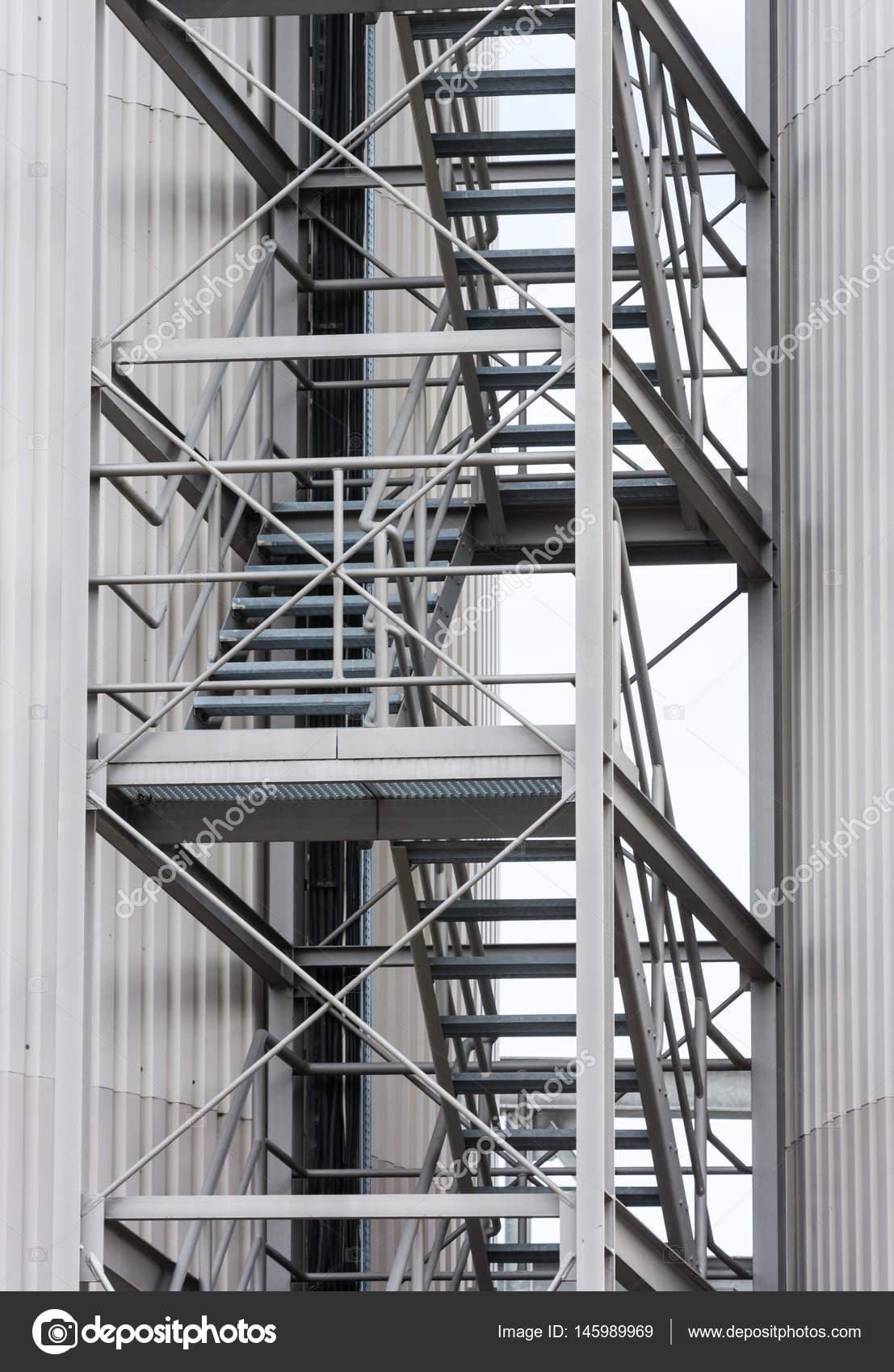 Escape Route Via Exterior Metal Staircase U2014 Stock Photo