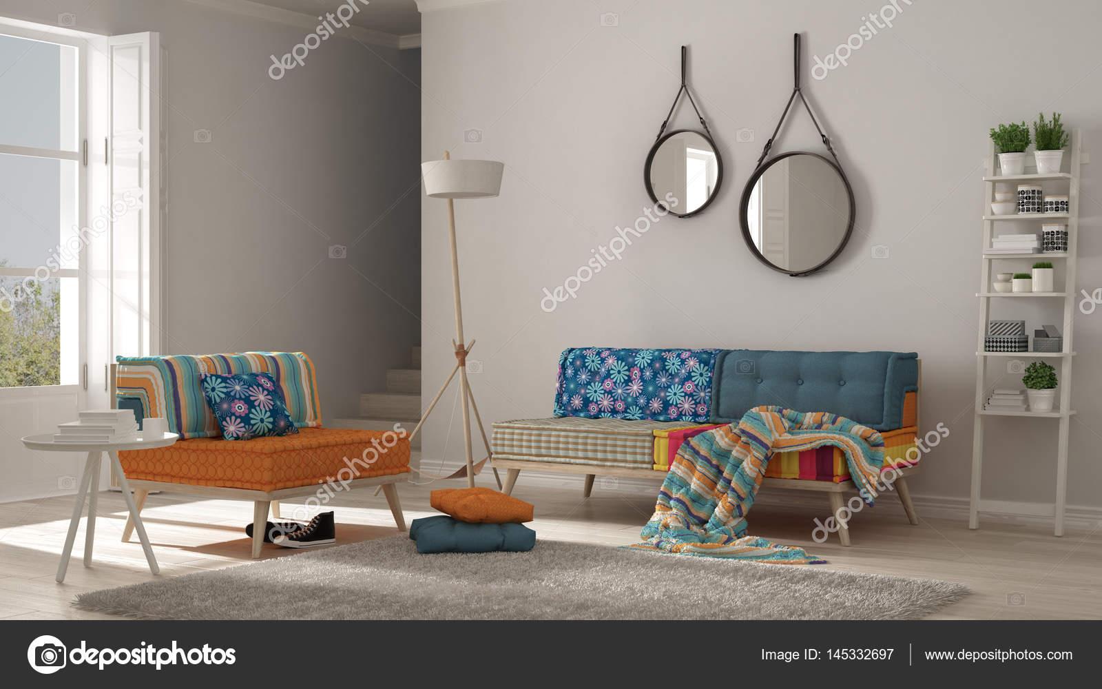 Scandinavische woonkamer met kleurrijke Bank, leunstoel en zacht ...