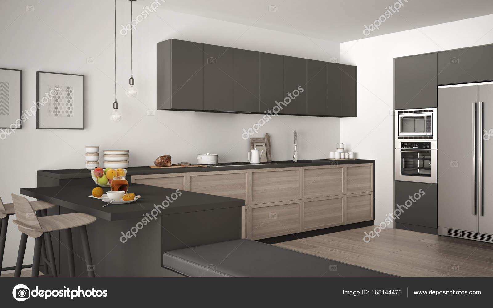 Cucina classica con dettagli in legno e pavimento in parquet, sano b ...
