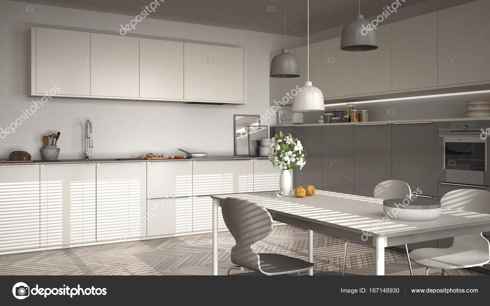 Cocina con mesa y sillas, ventanas grandes y herringbon — Foto de ...