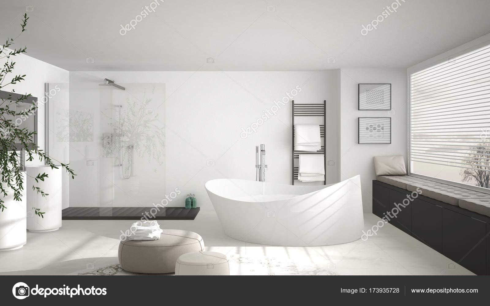 Bagno classico moderno con Tappeto rotondo grande, grande panoramica ...