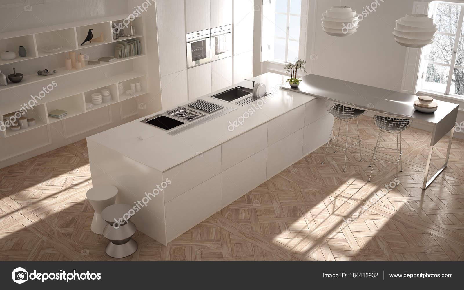 Moderne Küche im klassischen Interieur, Insel mit Hocker und zwei ...
