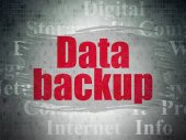 Koncept dat: zálohování dat na digitální Data papírové pozadí