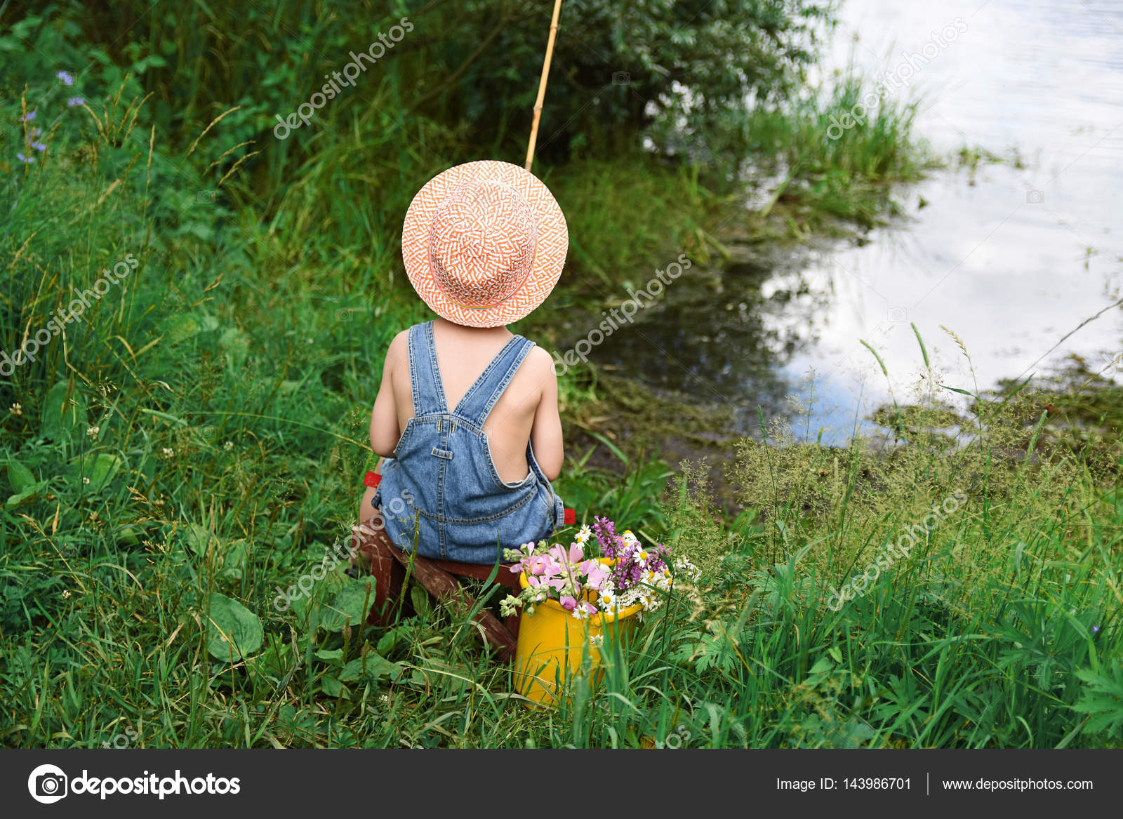 03df74378a2cb Pictures: baby fishing | Baby boy fisherman with a fishing rod in ...