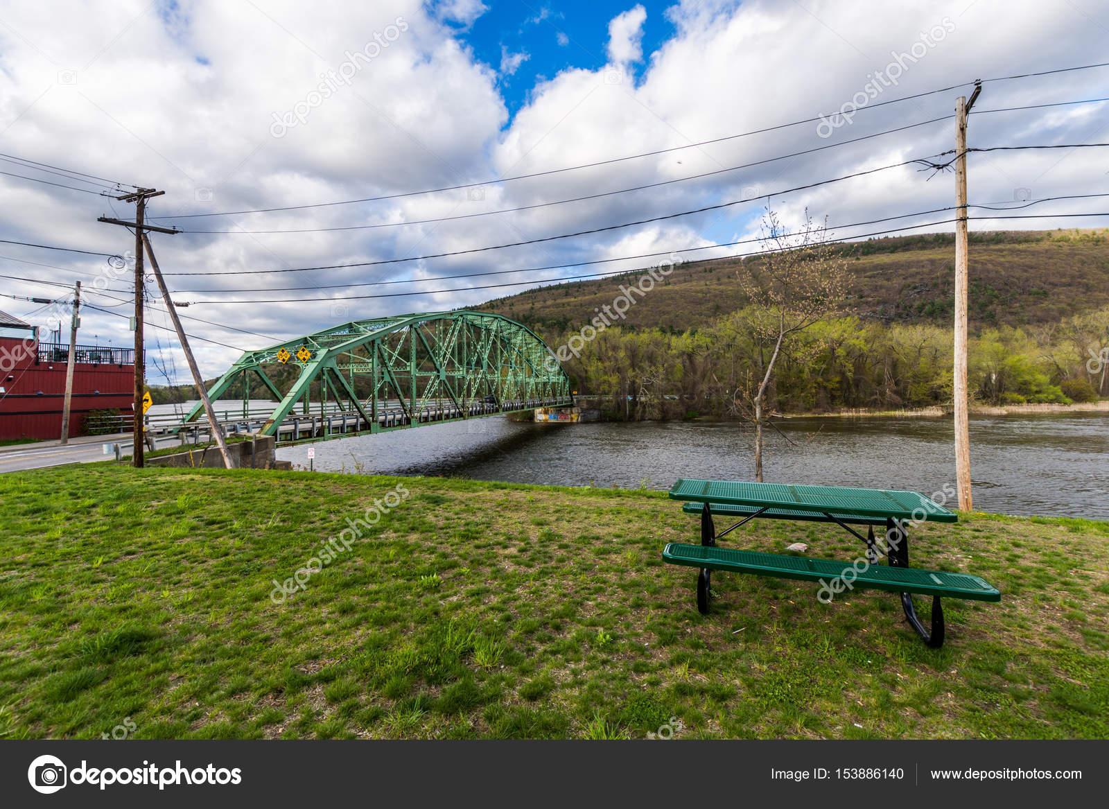 Camino de Brattleboro dejando Brattleboro, Vermont en New Hampshire ...