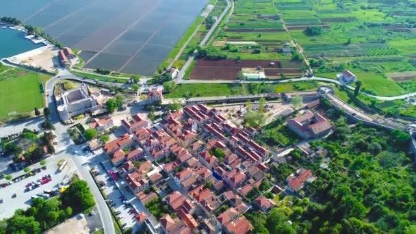 Ston letecký pohled na záliv a staré město, Dalmácii region Chorvatska
