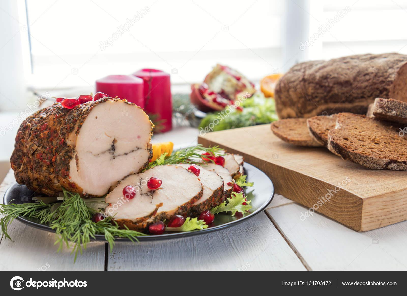 Navidad Cena Navideña Pechuga De Pollo Rellena Fotos De Stock