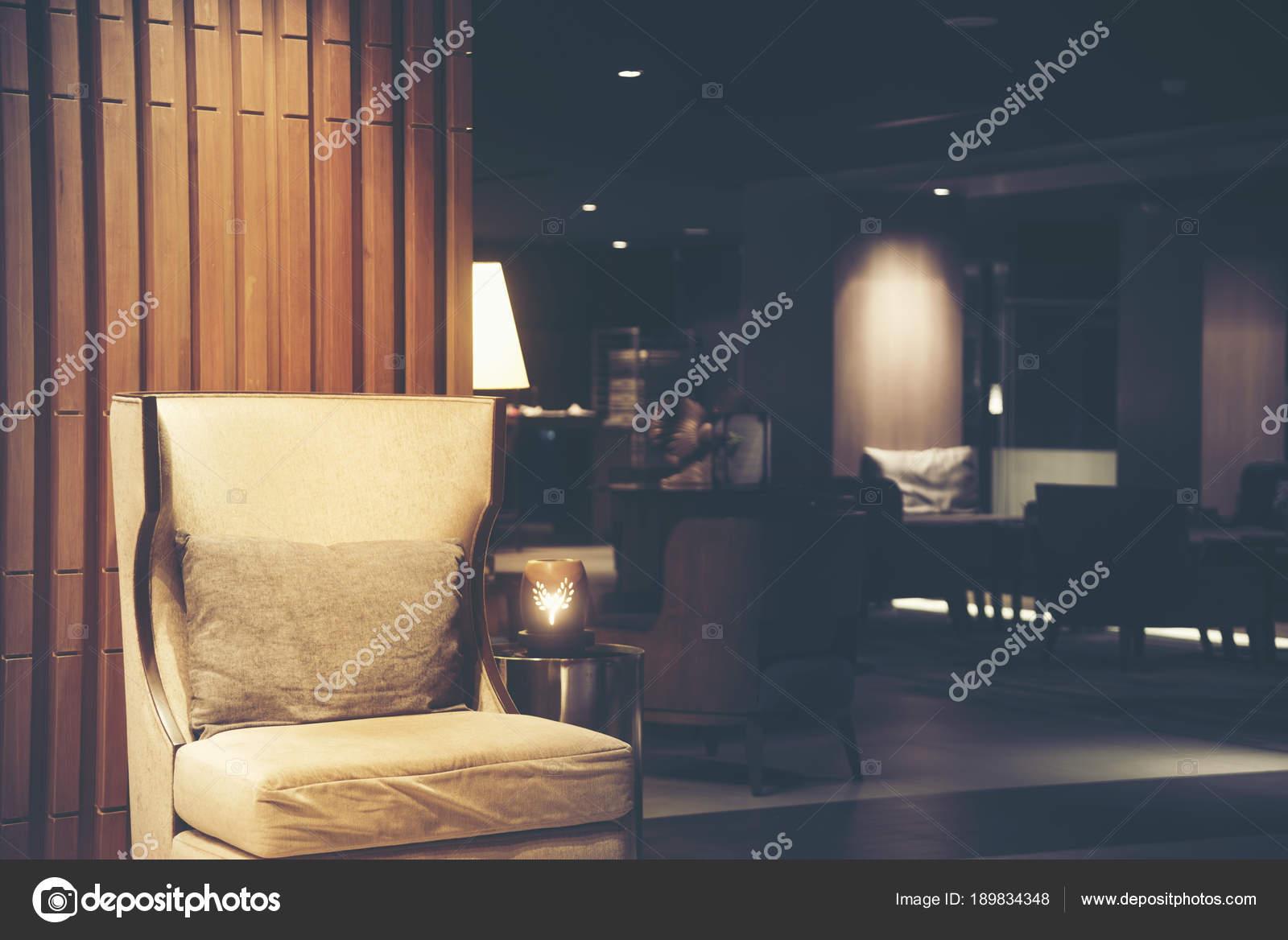 Divani lusso ospiti dell hotel soggiorno con illuminazione