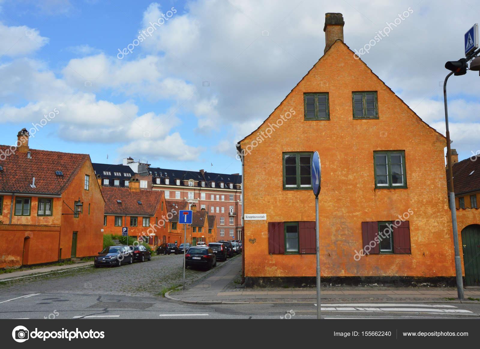 Häuser In Dänemark kopenhagen dänemark 31 mai 2017 gelbe häuser im viertel nyboder
