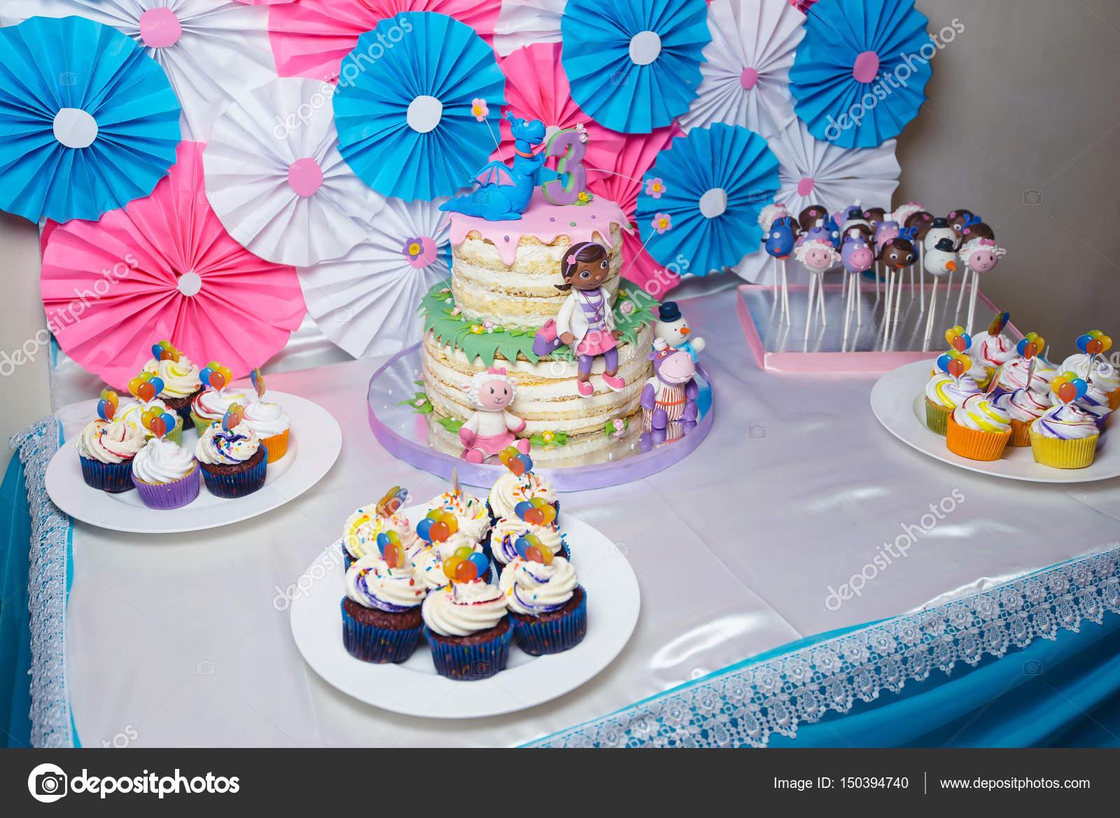 Mesa buffet decoraci n para cumplea os 3 a os foto de stock maxfoto87 150394740 - Decoracion cumpleanos anos ...