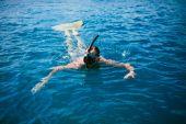 Potápěč plavání s mono fin