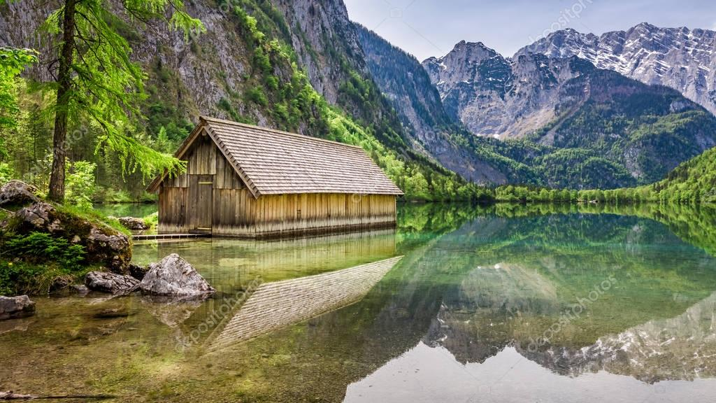 Фотообои Obersee lake and small wooden cottage, Alps, Germany, Europe
