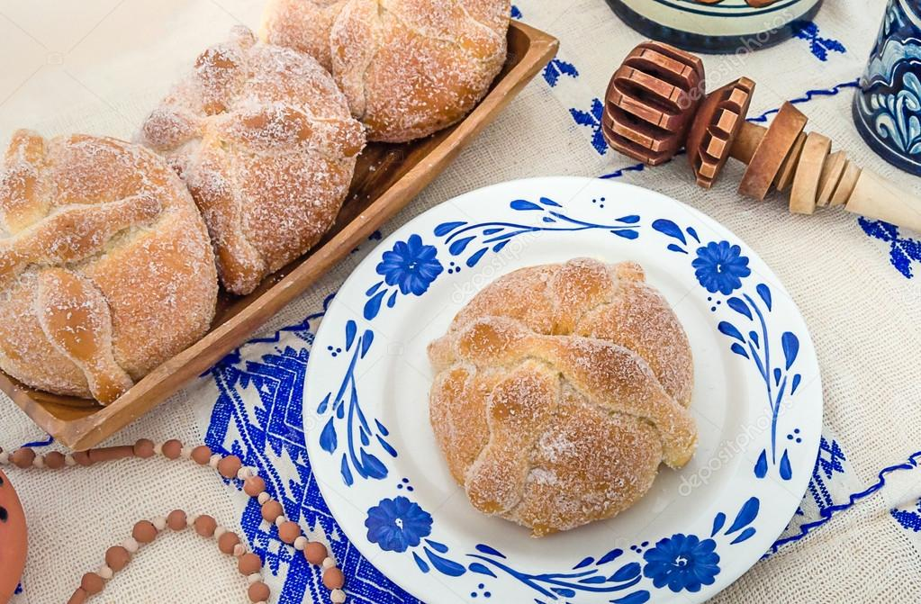 Day of the Dead Bread (Pan de Muerto)