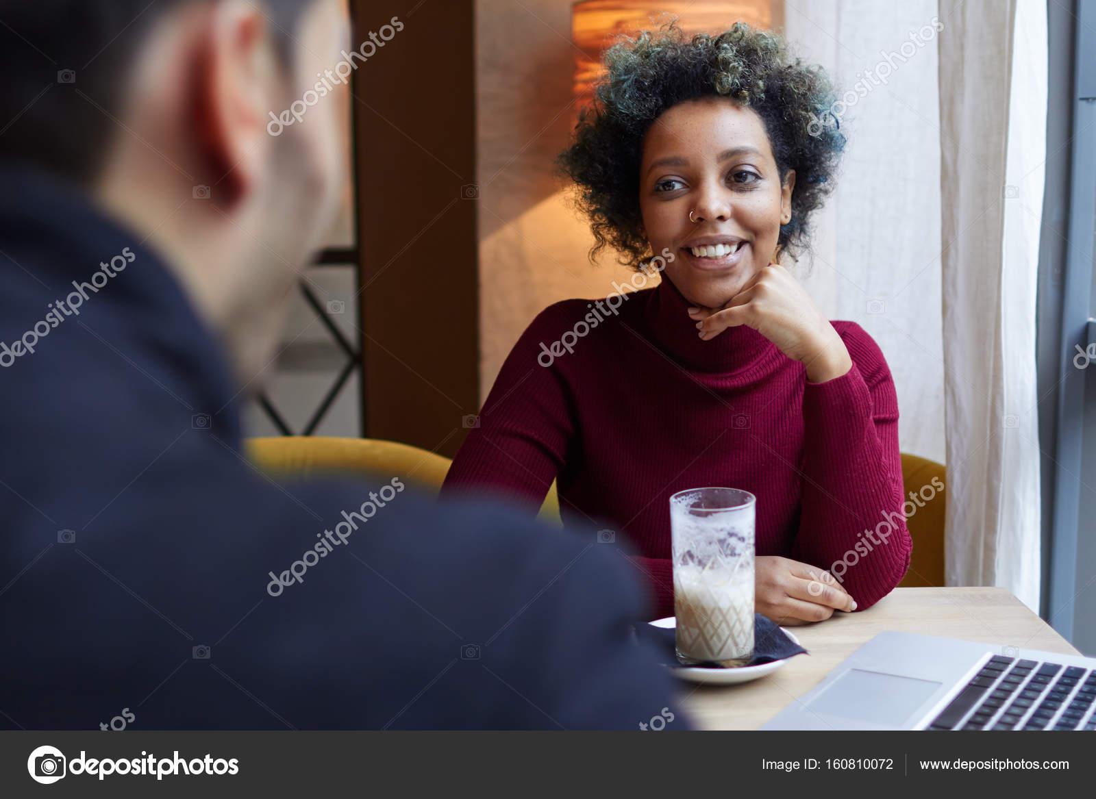 μαύρο ασιατικό διαφυλετικός dating Palina Ροζίνσκι ταχύτητα dating με 1