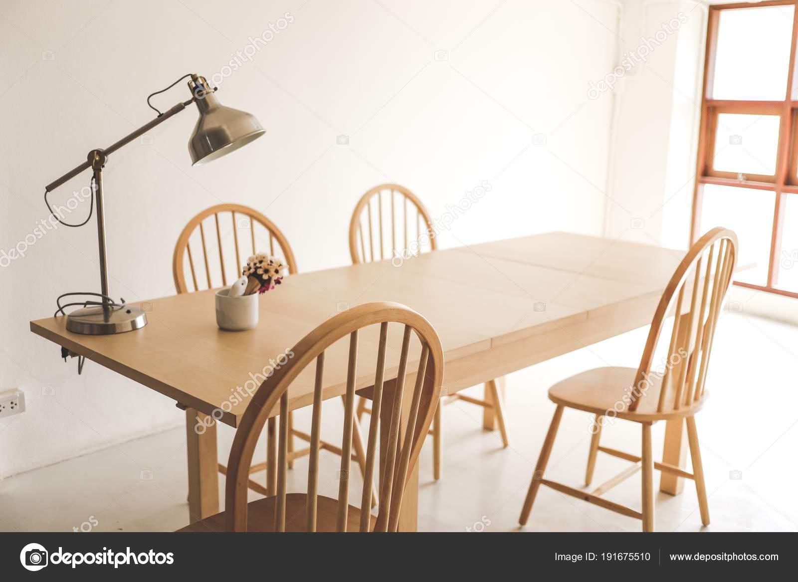 Gevoel Voor Interieur : Eenvoudig zolder dinning van kamer interieur stijl gezellig warm