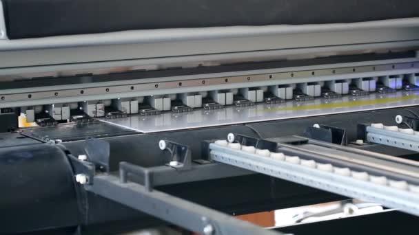 UV tiskárna tisk na velký plastový panel