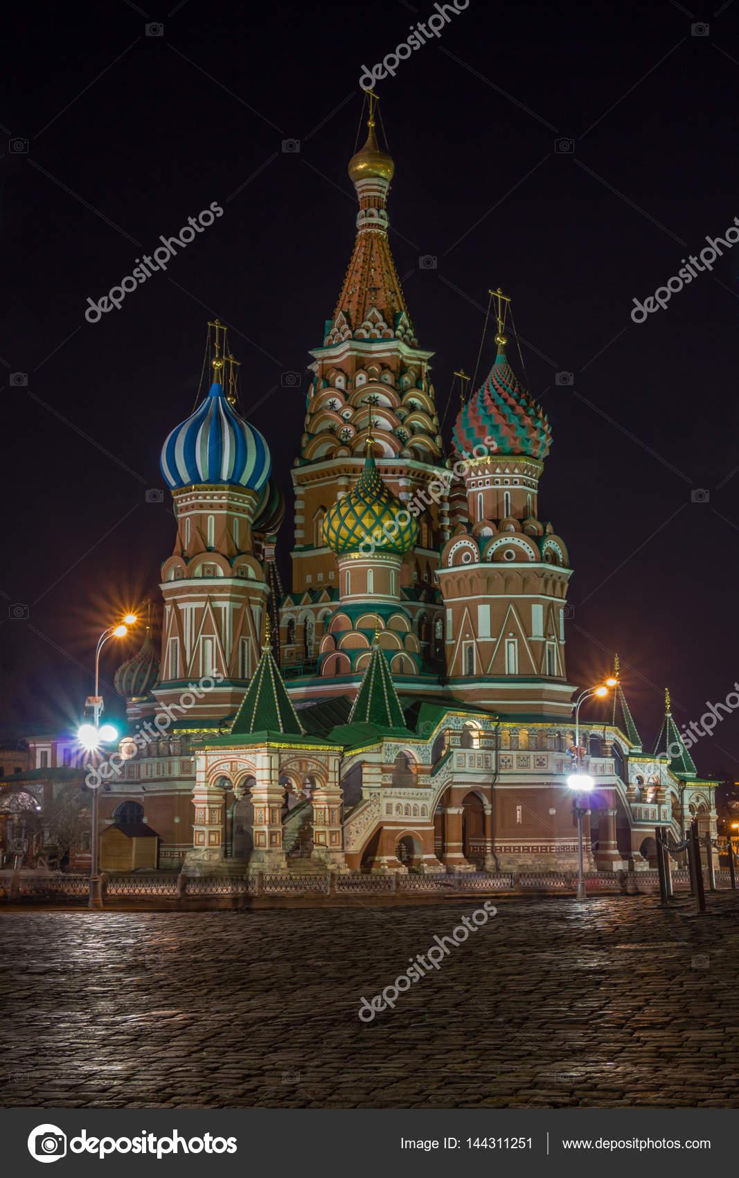 ポクロフ スキー大聖堂、聖ワシ...