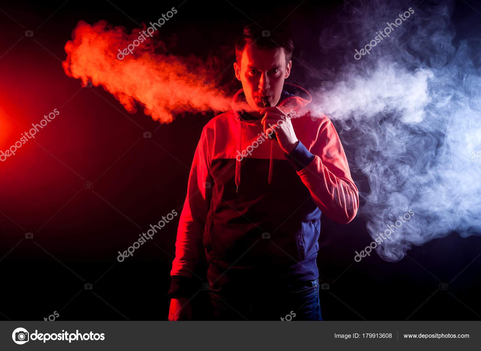 Malé mladé kouření