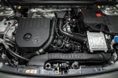 Novosibirsk, Rusko 10. října 2019: Mercedes-Benz Cla-class, Closeup of a clean motor block,. Motor vnitřního spalování