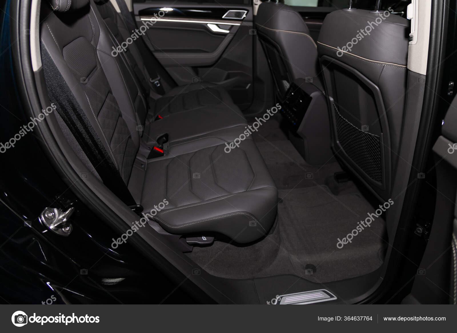 Novosibirsk Russia March 2020 Volkswagen Touareg Comfort Car Clean Car Stock Editorial Photo C Everyonensk 364637764