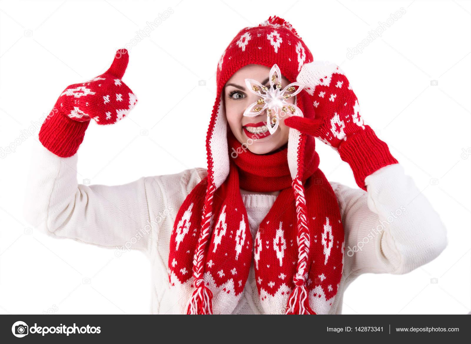 Niña de punto sombrero, bufanda y manoplas. Patrón de rojo y blanco ...