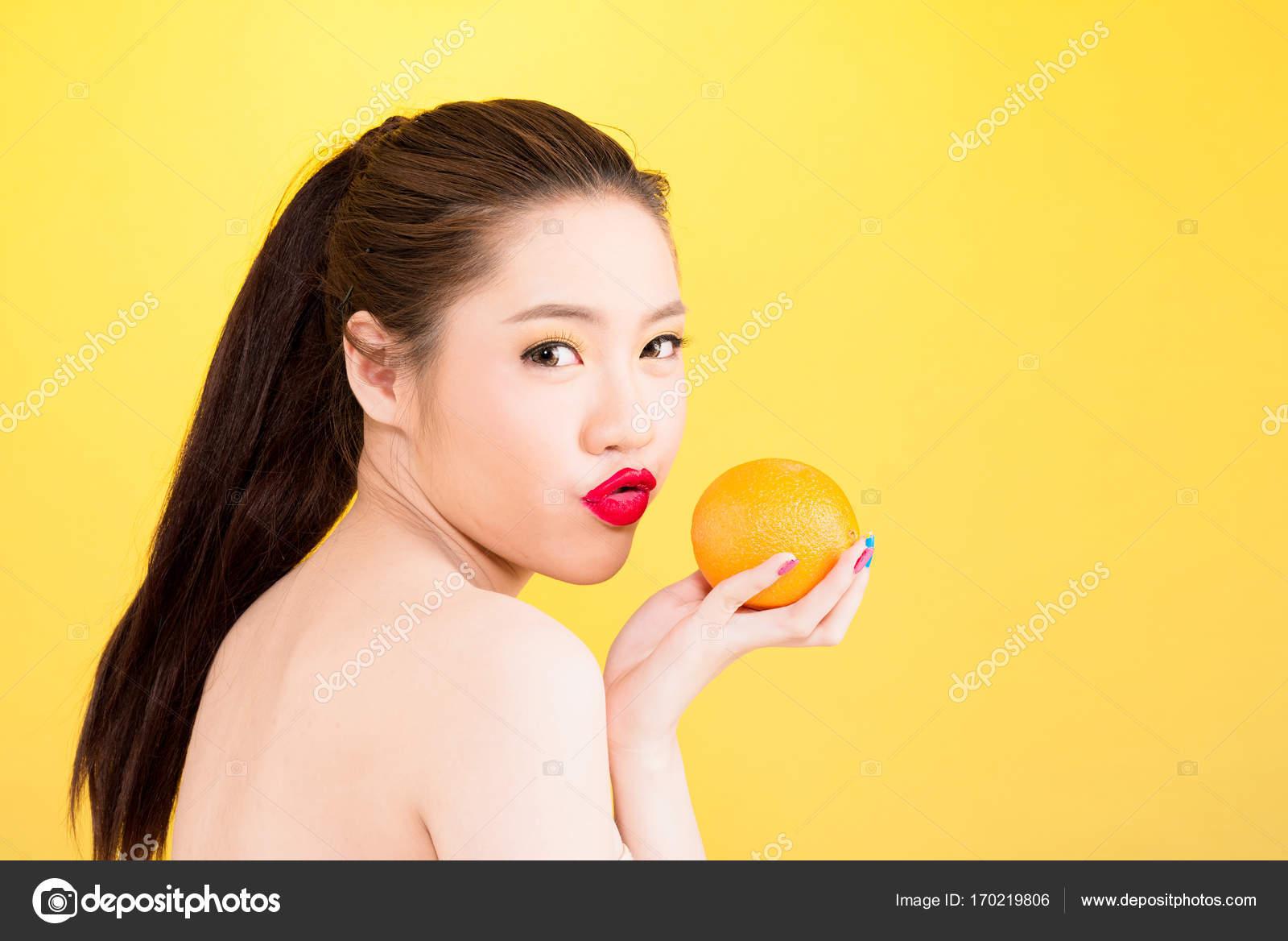 To naked asian girl kissing, babe fuck dream