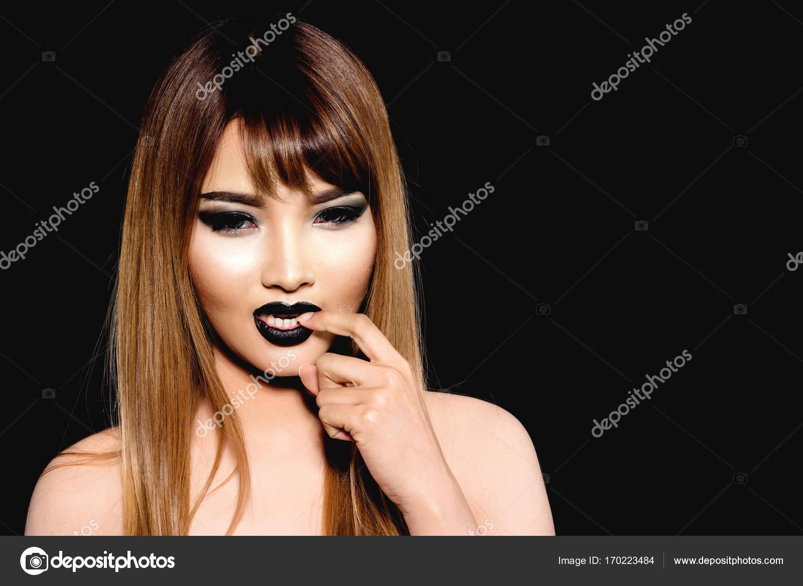 Καυλιάρης νεαρά μοντέλα
