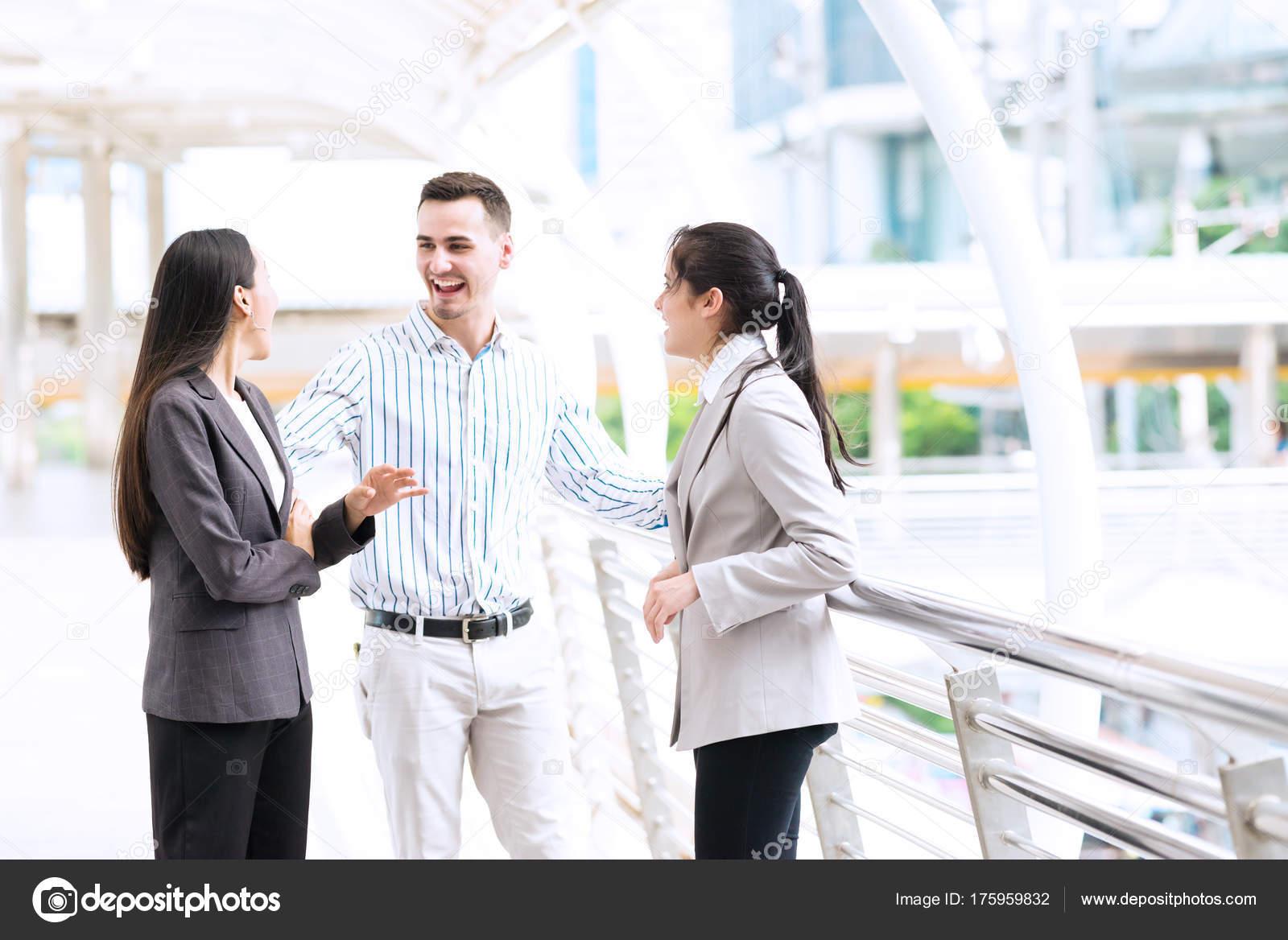 Frauen outdoor treffen [PUNIQRANDLINE-(au-dating-names.txt) 48