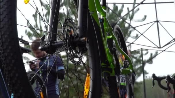 Závodní kolo. Části jízdních kol. Ukrajina, Kyjev, 21.03.2020