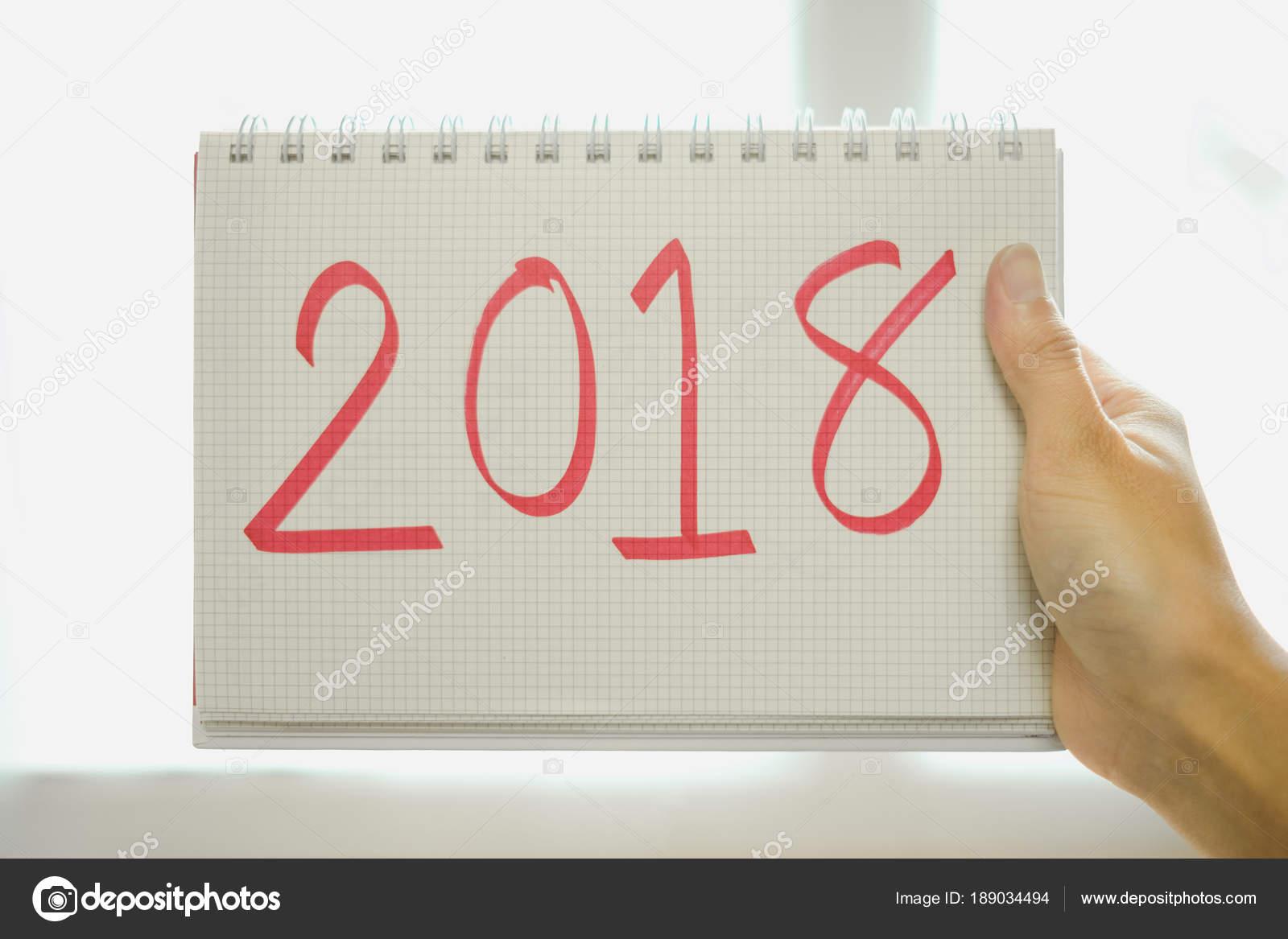 Frohes neues Jahr Hintergrund Frau Blatt Papier mit Botschaft ...