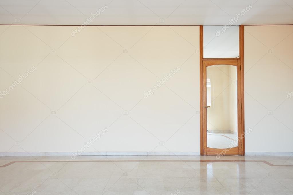 Leeren Raum mit Marmor Boden und Glas Tür — Stockfoto © AndreaA ...