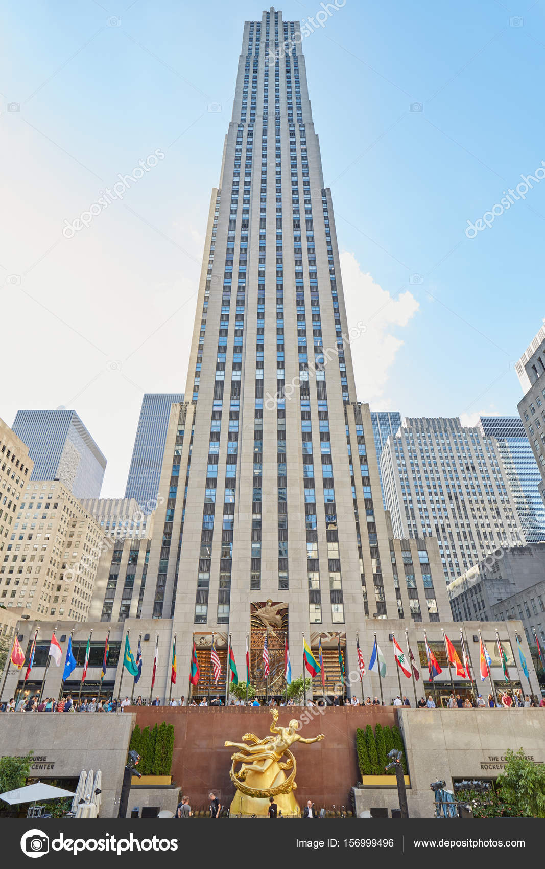 rockefeller center geb ude an einem sonnigen tag blauer himmel in new york redaktionelles. Black Bedroom Furniture Sets. Home Design Ideas