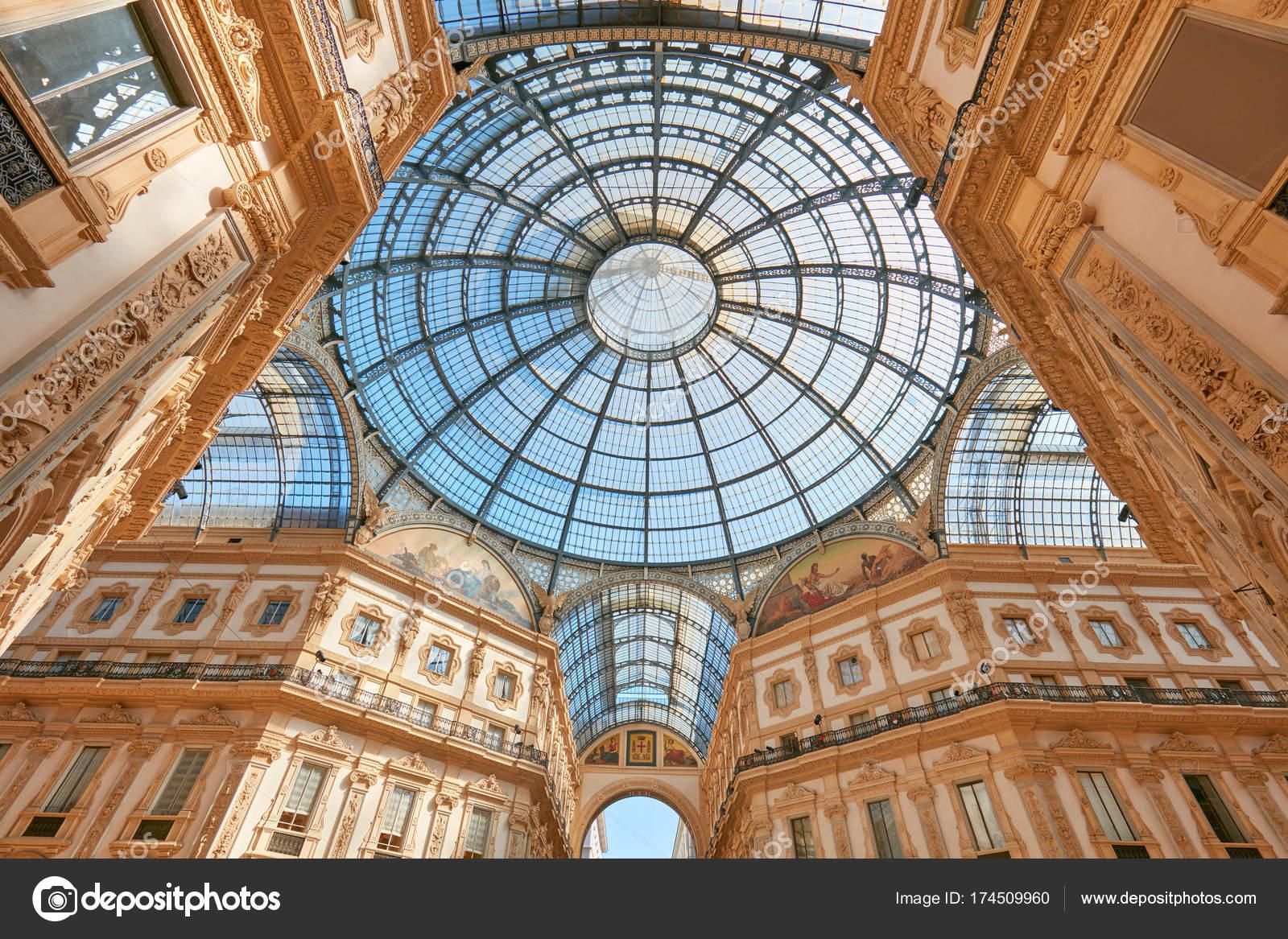 Mailand, Vittorio Emanuele Galerie Interieur, niedrigen Winkel in ...