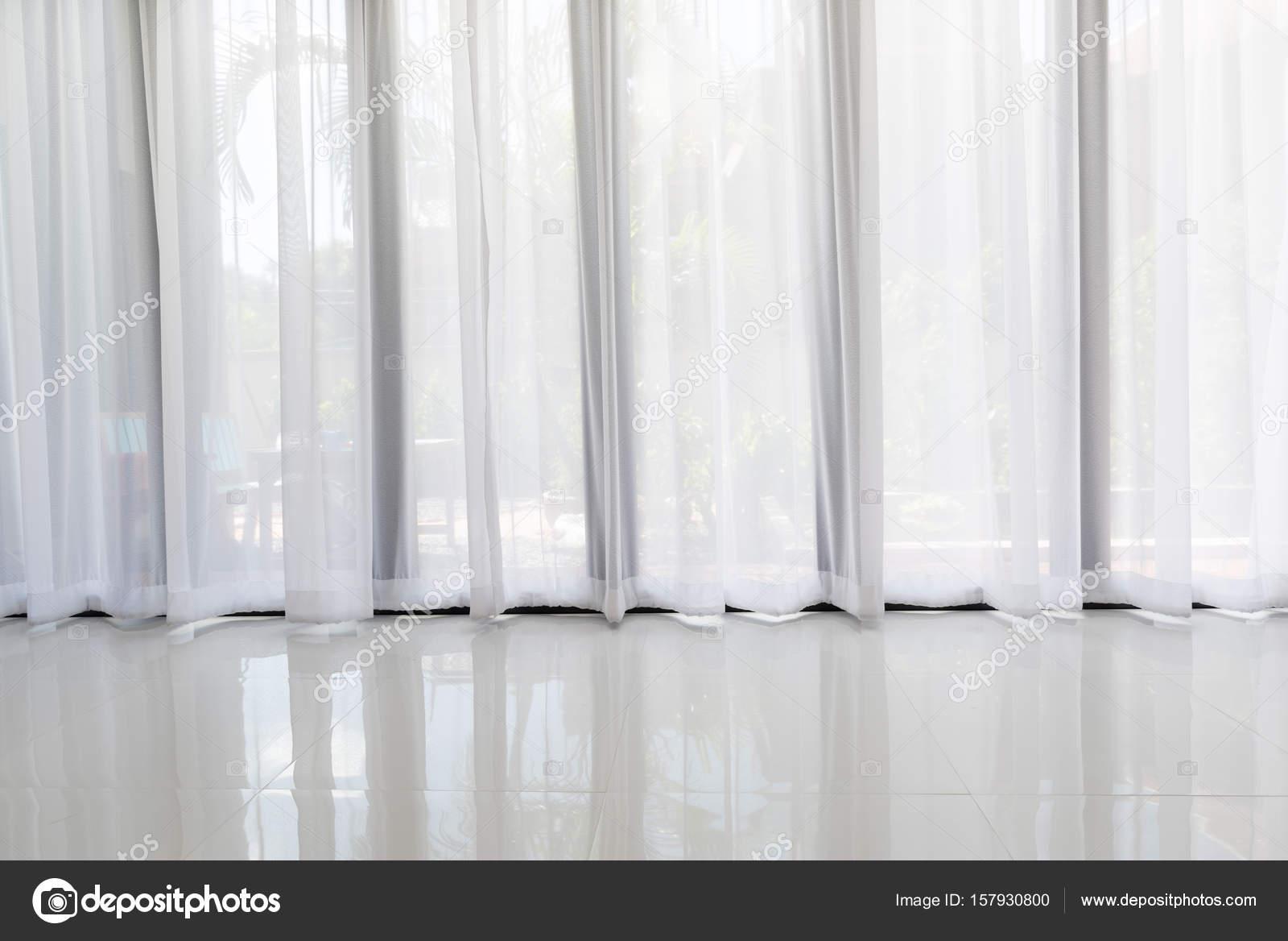 Moderne Wohnzimmer Interieur mit weichen weißen Vorhang Hintergrund ...