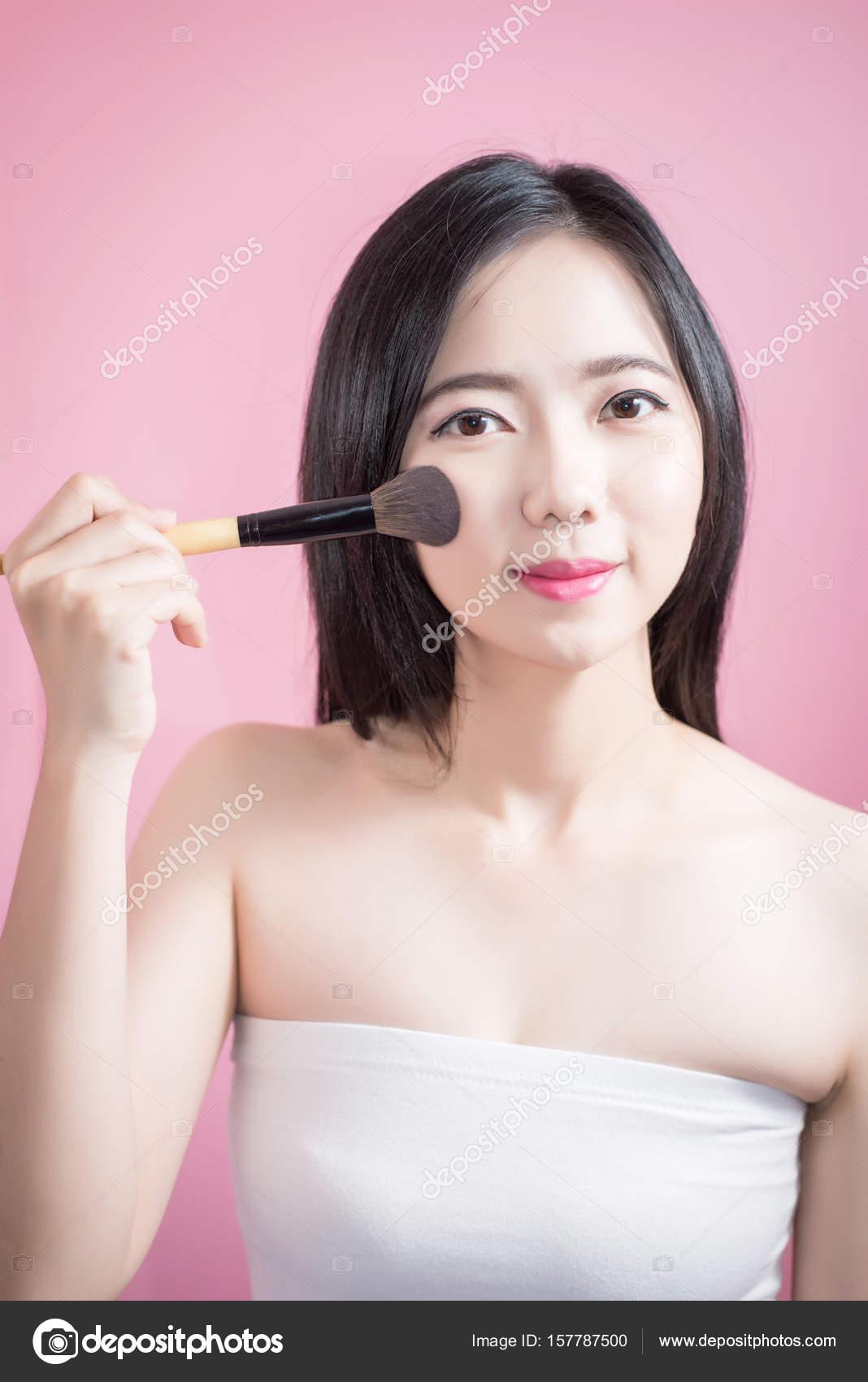 Kosmetik für asiatische Frauen mit