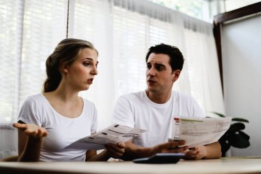 Young couples are worried about the bad economic period after having a problem from COVID-19.