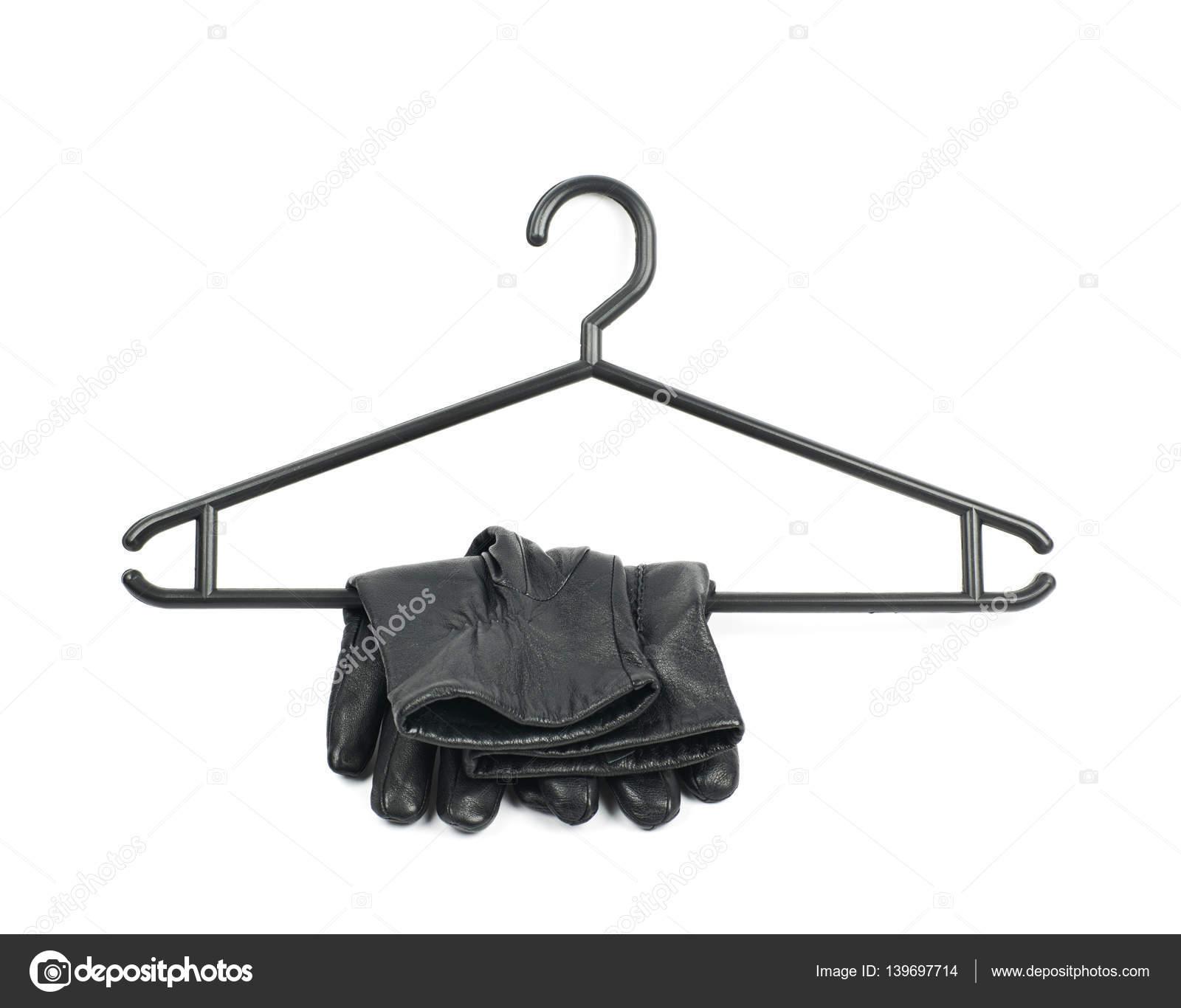 Schwarzer Kunststoff Kleiderbügel isoliert — Stockfoto © nbvf89 ...