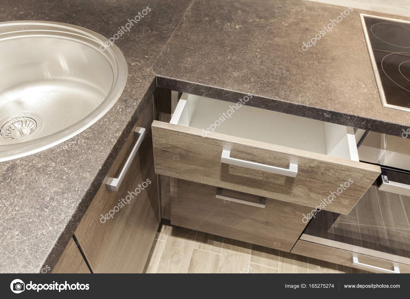 Küche, Tisch und Waschbecken — Stockfoto © DJSrki #165275274
