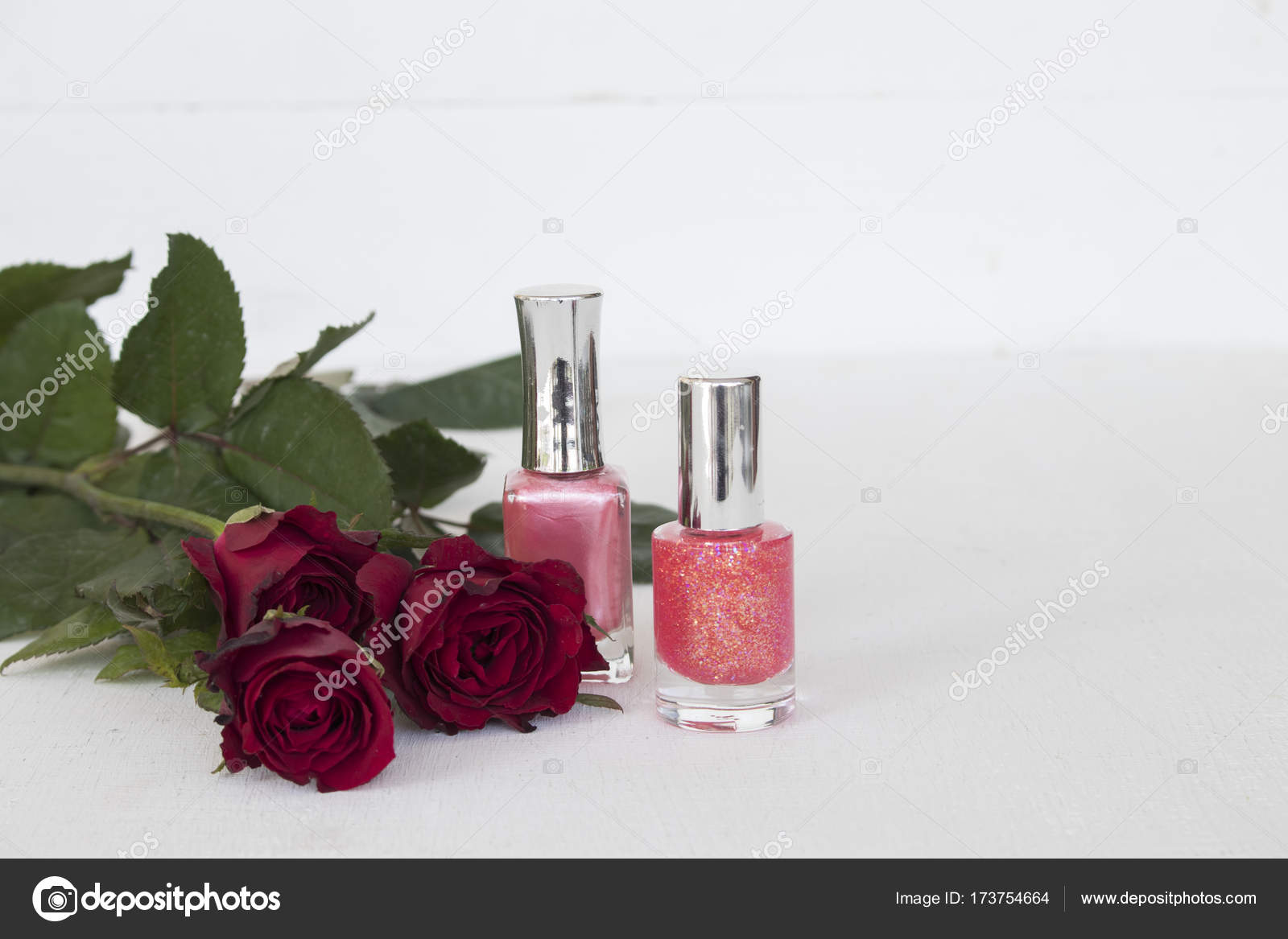 Bouquet of flower red rose with colorful nail polish of lifestyle bouquet of flower red rose with colorful nail polish of lifestyle woman on background white photo by phenphayom izmirmasajfo