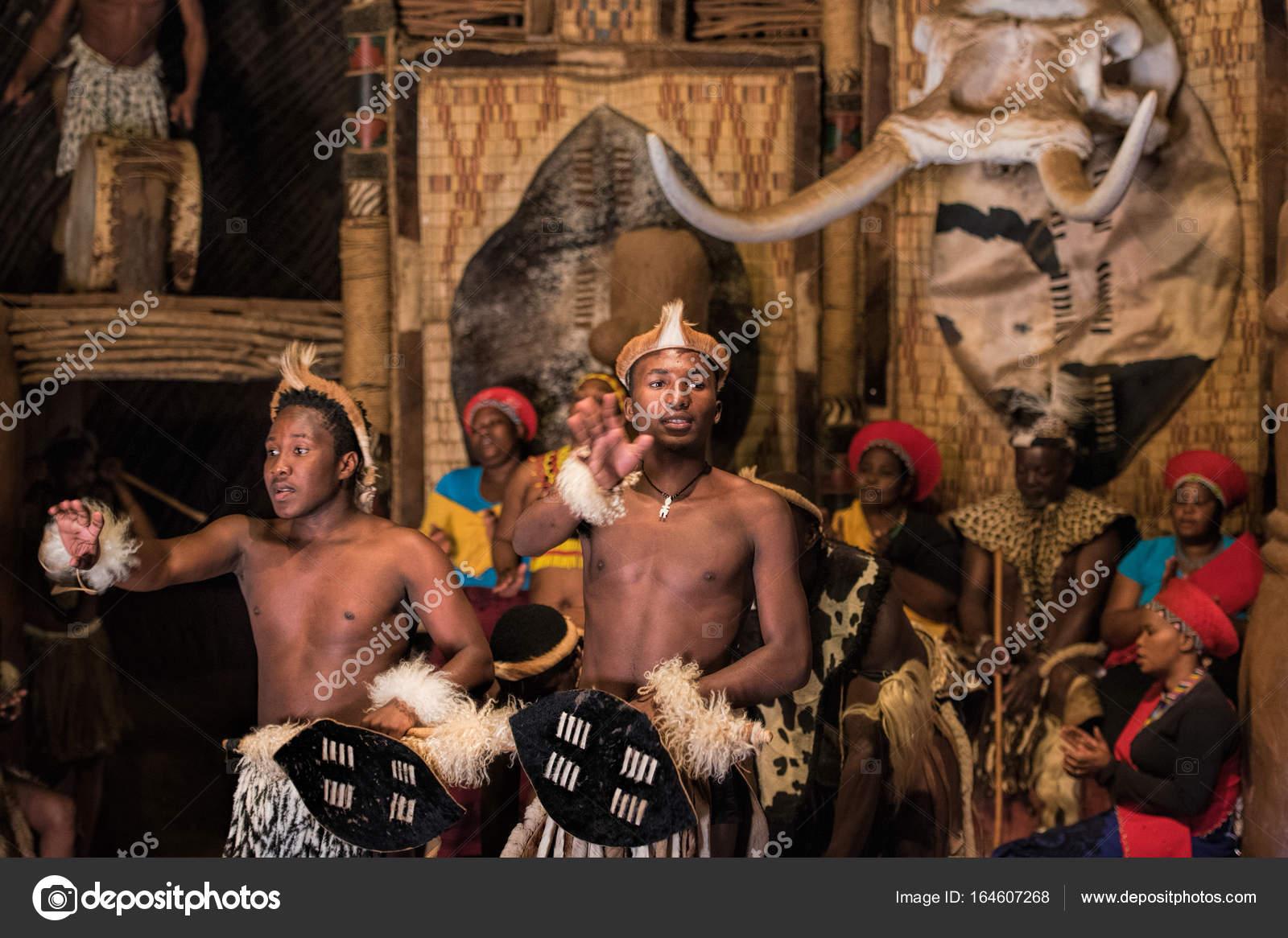 Povo zulu de bantu fotografia de stock editorial njaj 164607268 povo zulu de bantu fotografia de stock stopboris Gallery
