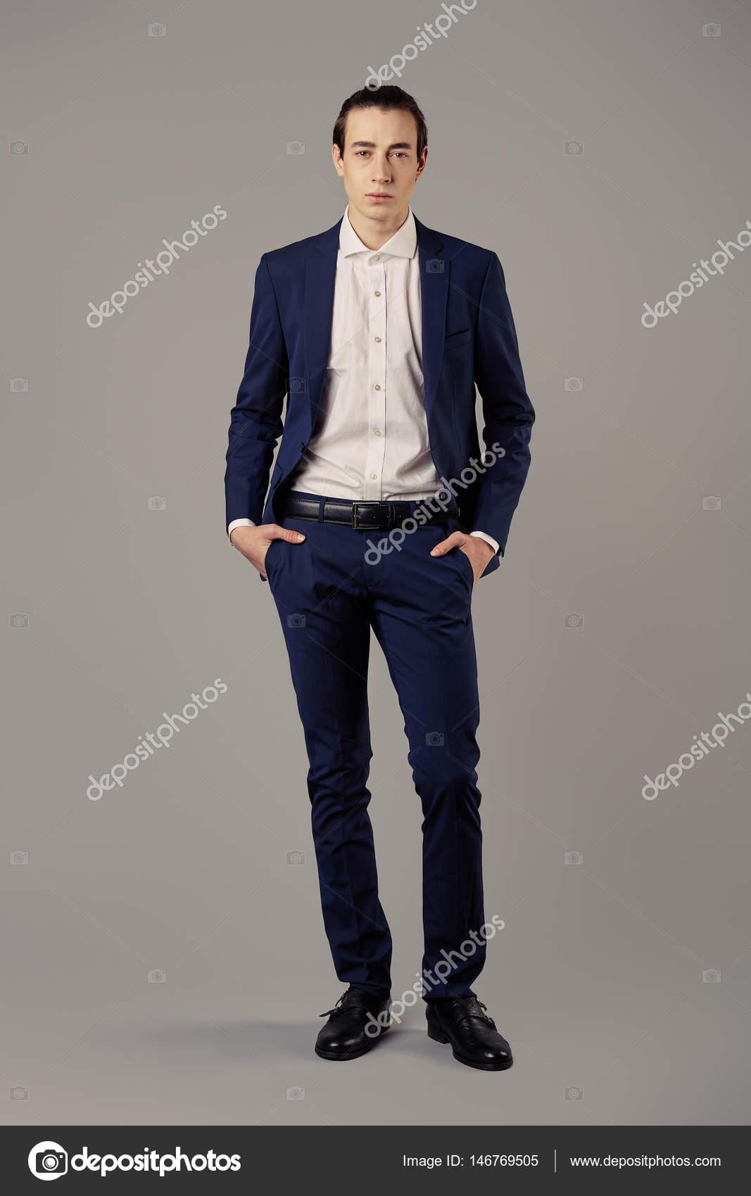 Overhemd Voor Pak.Zakenman Mode Dragen Blauwe Pak Met Wit Overhemd Stockfoto