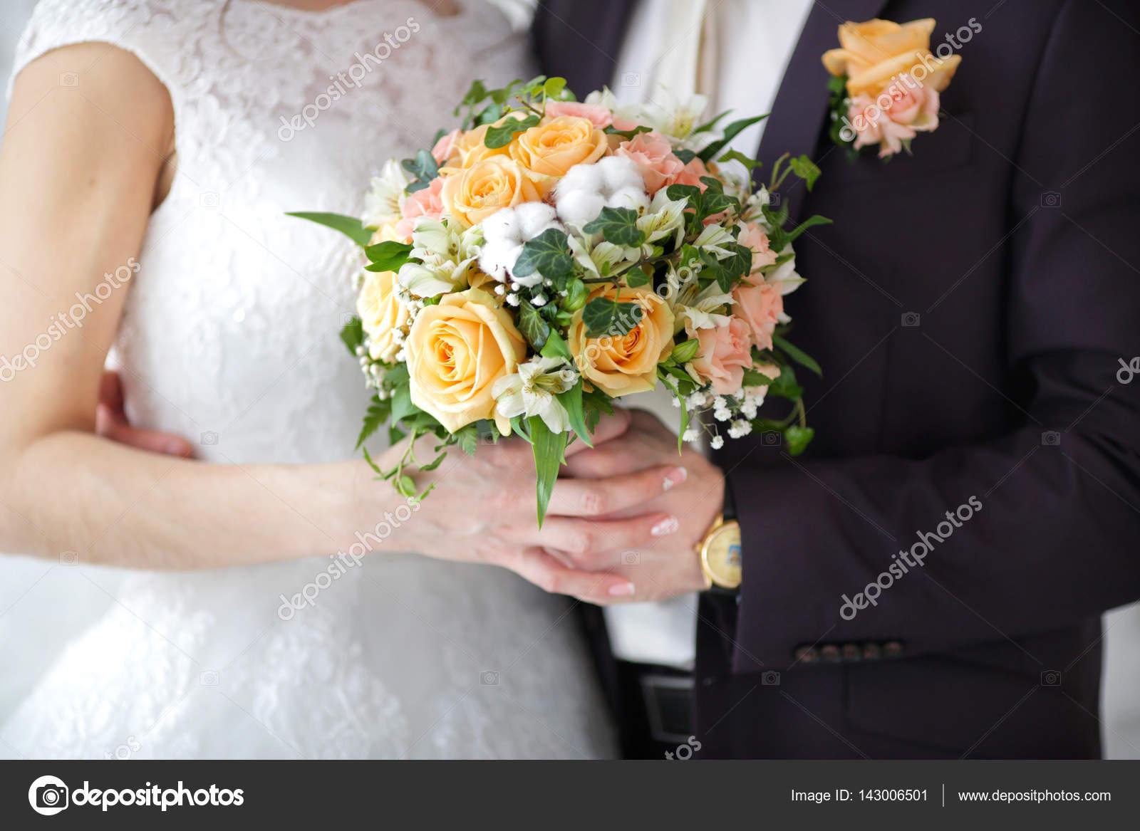 bouquet de mariée original — photographie zoom01 © #143006501